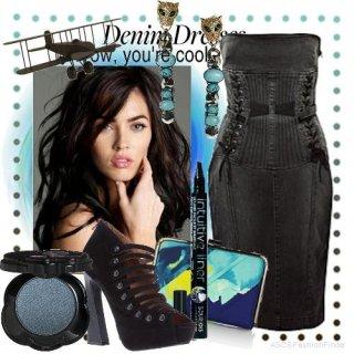 3076765dcdb Must kleit Varrukatega on luksuslikud kallid mustad kingad ja stiilne  kaunistused. Õhtu varrukate puudumise tõttu tuleb kindlasti kanda bolero,  ...